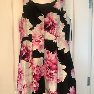 Established 1962 Dresses - Pink and black flowered dress